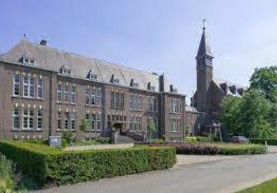 Hoofdgebouw Kloostervelden
